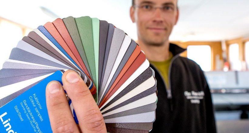 Chr Føre as levere en rekke farger på sine beslag. (Foto: Michael Ulriksen)